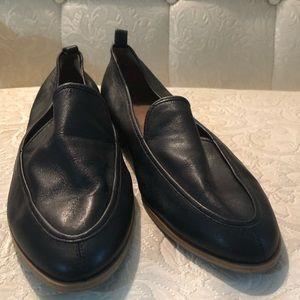 Susina size 9 black loafer